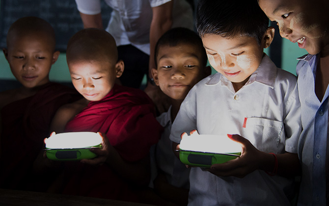 100 THOUSAND SOLAR LANTERNS PROJECT