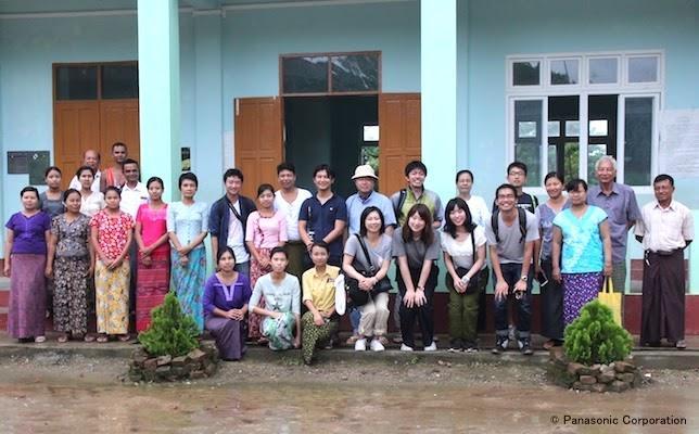 201710_Myanmar_employee_report_1.jpg